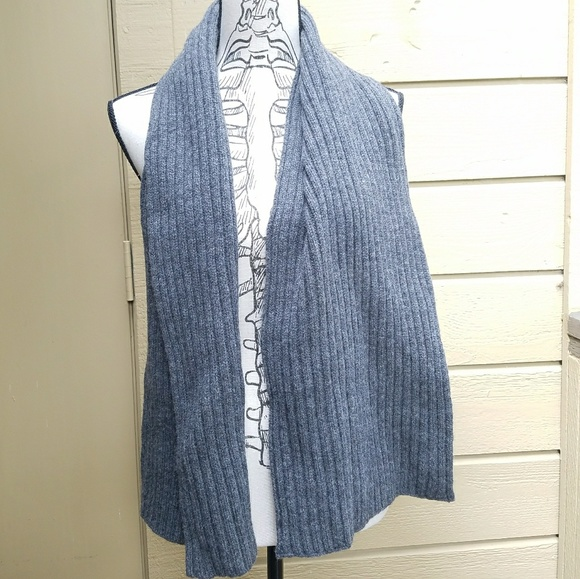 GAP Other - Gap 100% Lambswool Scarf
